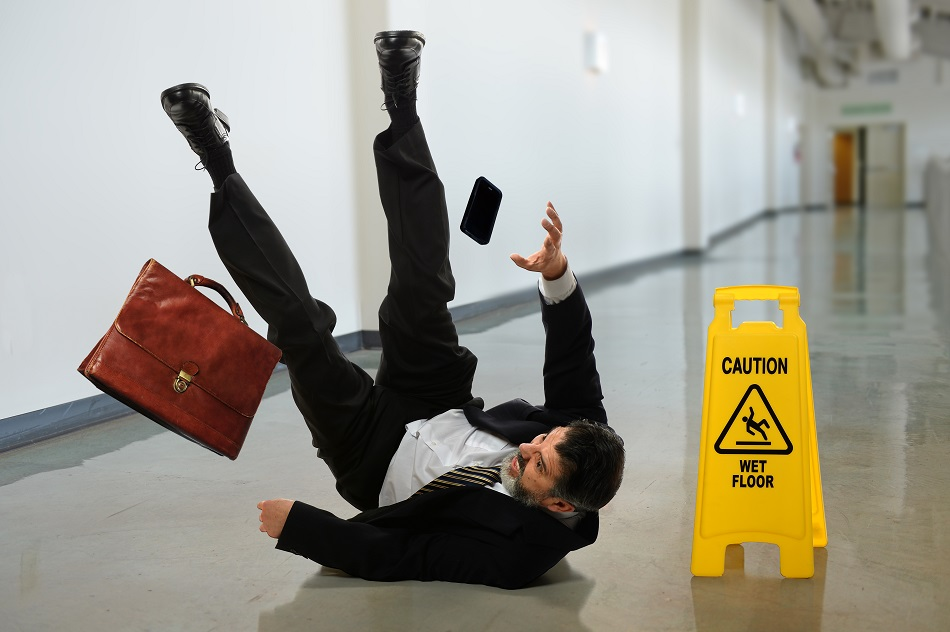 9 Possible Injury Symptoms After A Slip And Fall | HealthSoul