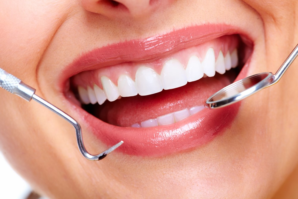 How To Get Healthy Teeth & A Beautiful Smile | HealthSoul