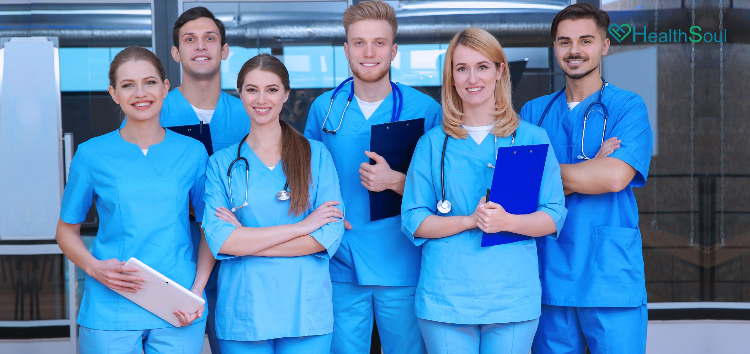 Practical Tips To Choose The Right Medical Nursing Scrubs | HealthSoul